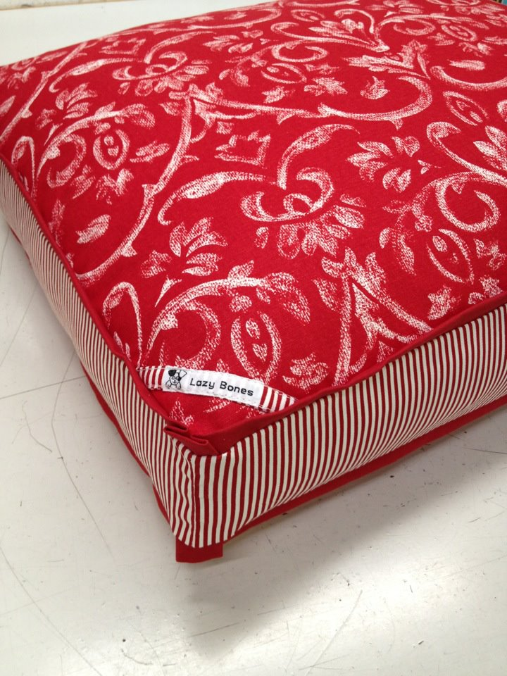 "Fabric ""Tuscany\"" Dog Bed"